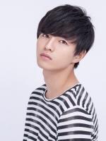 小南 光司(こみなみ こうじ)  1994年12月12日生まれ。 雑誌「SamuraiELO」専属モデルの他、メンズ人気No.1の美容室「OCEAN TOKYO」の専属ヘアモデルを務めるイケメンモデル。